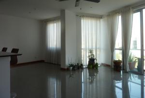 Apartamento En Alquileren Rohrmoser, San Jose, Costa Rica, CR RAH: 19-181