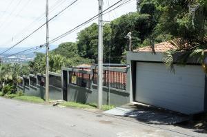 Casa En Ventaen Santa Ana, Santa Ana, Costa Rica, CR RAH: 19-199