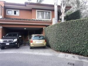 Casa En Ventaen Altos Paloma, Escazu, Costa Rica, CR RAH: 19-205