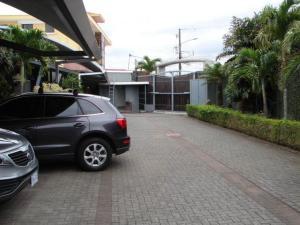 Casa En Ventaen Guachipelin, Escazu, Costa Rica, CR RAH: 19-234