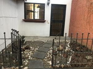 Apartamento En Alquileren Rio Oro, Santa Ana, Costa Rica, CR RAH: 19-266