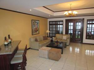 Casa En Ventaen San Juan, Tibas, Costa Rica, CR RAH: 19-304