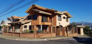 Casa En Ventaen San Joaquin De Flores De Heredia, Heredia, Costa Rica, CR RAH: 19-380
