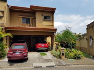 Casa En Ventaen San Juan, Tibas, Costa Rica, CR RAH: 19-341