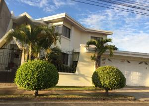 Casa En Ventaen Alajuela Centro, Alajuela, Costa Rica, CR RAH: 19-381