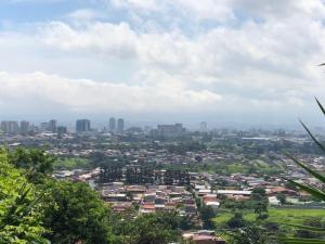 Terreno En Alquileren Bello Horizonte, Escazu, Costa Rica, CR RAH: 19-423