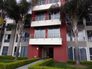 Apartamento En Alquileren San Pedro, Montes De Oca, Costa Rica, CR RAH: 19-427