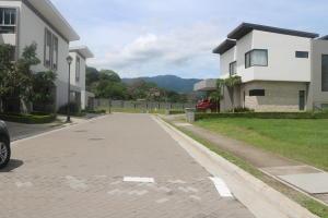 Casa En Ventaen Pozos, Santa Ana, Costa Rica, CR RAH: 19-433