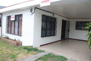 Casa En Ventaen Guadalupe, Goicoechea, Costa Rica, CR RAH: 19-453