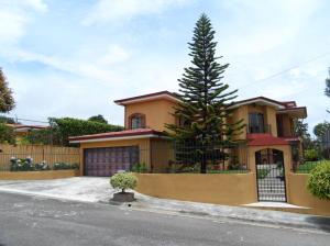Casa En Ventaen San Antonio, Vazquez De Coronado, Costa Rica, CR RAH: 19-463