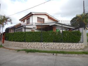 Casa En Ventaen Curridabat, Curridabat, Costa Rica, CR RAH: 19-471