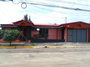 Casa En Ventaen Barrio Dent, Montes De Oca, Costa Rica, CR RAH: 19-481