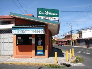Local Comercial En Ventaen Tibas, Tibas, Costa Rica, CR RAH: 19-493