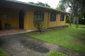 Casa En Ventaen La Fortuna, San Carlos, Costa Rica, CR RAH: 19-502