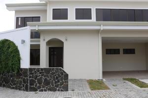Casa En Ventaen Granadilla, Curridabat, Costa Rica, CR RAH: 19-530