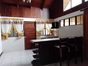 Casa En Alquileren Sabanilla, Montes De Oca, Costa Rica, CR RAH: 19-460