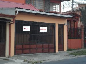 Casa En Ventaen San Isidro, Vazquez De Coronado, Costa Rica, CR RAH: 19-609