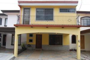 Casa En Alquileren San Antonio, Desamparados, Costa Rica, CR RAH: 19-616