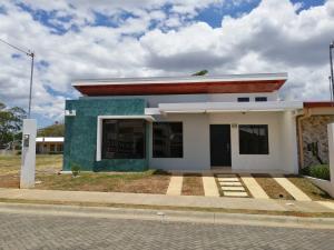 Casa En Ventaen Turrucares, Alajuela, Costa Rica, CR RAH: 19-640