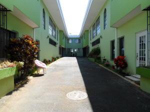 Apartamento En Alquileren Tibas, Tibas, Costa Rica, CR RAH: 19-521