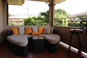 Casa En Alquileren Pozos, Santa Ana, Costa Rica, CR RAH: 19-628