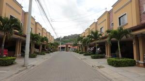 Casa En Ventaen Pozos, Santa Ana, Costa Rica, CR RAH: 19-645