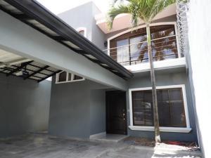 Casa En Ventaen Pozos, Santa Ana, Costa Rica, CR RAH: 19-654
