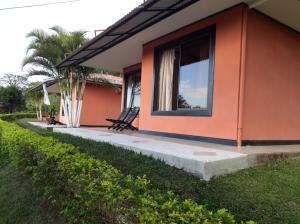 Casa En Alquileren Ciudad Colon, Mora, Costa Rica, CR RAH: 19-667