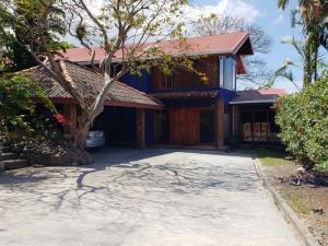 Casa En Ventaen Altos Paloma, Escazu, Costa Rica, CR RAH: 19-680