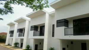 Apartamento En Alquileren Santa Ana, San Jose, Costa Rica, CR RAH: 19-714