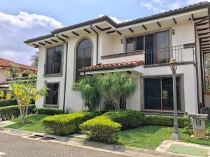 Casa En Alquileren Rio Oro, Santa Ana, Costa Rica, CR RAH: 19-717