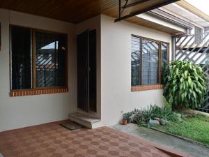 Casa En Alquileren Curridabat, Curridabat, Costa Rica, CR RAH: 19-731