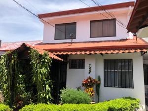 Casa En Ventaen Rohrmoser, Pavas, Costa Rica, CR RAH: 19-748