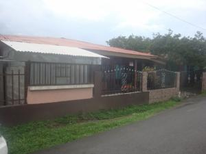 Casa En Ventaen Guapiles, Guacimo, Costa Rica, CR RAH: 19-750