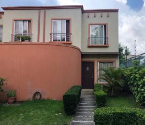 Casa En Ventaen Santa Ana, Santa Ana, Costa Rica, CR RAH: 19-761