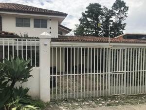 Casa En Alquileren Guachipelin, Escazu, Costa Rica, CR RAH: 19-768