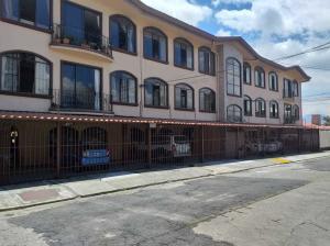 Apartamento En Alquileren Rohrmoser, San Jose, Costa Rica, CR RAH: 19-779