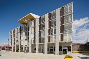 Apartamento En Alquileren Sabanilla, Montes De Oca, Costa Rica, CR RAH: 19-777
