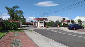 Apartamento En Ventaen San Francisco De Heredia, Heredia, Costa Rica, CR RAH: 19-572