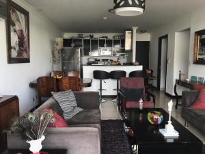 Apartamento En Alquileren Santa Ana, Santa Ana, Costa Rica, CR RAH: 19-833
