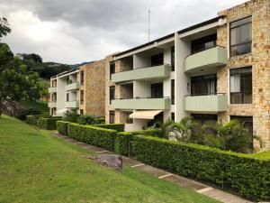 Apartamento En Alquileren Santa Ana, Santa Ana, Costa Rica, CR RAH: 19-837