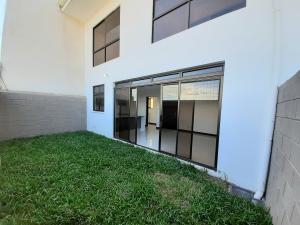 Apartamento En Alquileren Santa Ana, Santa Ana, Costa Rica, CR RAH: 19-715