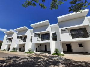 Apartamento En Alquileren Santa Ana, Santa Ana, Costa Rica, CR RAH: 19-711