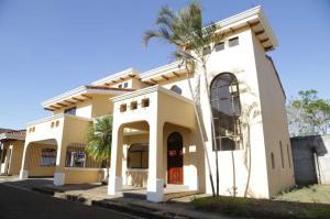 Casa En Alquileren Belen, Belen, Costa Rica, CR RAH: 19-845