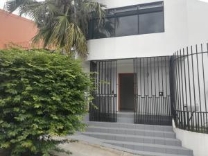 Apartamento En Alquileren Pavas, San Jose, Costa Rica, CR RAH: 19-852