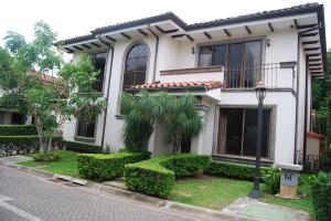 Casa En Alquileren Rio Oro, Santa Ana, Costa Rica, CR RAH: 19-859