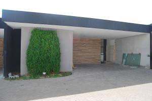 Casa En Ventaen Rio Oro, Santa Ana, Costa Rica, CR RAH: 19-915
