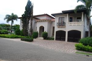 Casa En Ventaen Pozos, Santa Ana, Costa Rica, CR RAH: 19-914