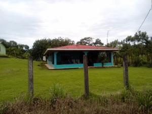 Casa En Ventaen Guapiles, Pococi, Costa Rica, CR RAH: 19-898