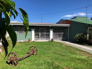 Casa En Ventaen Flores, Heredia, Costa Rica, CR RAH: 19-910